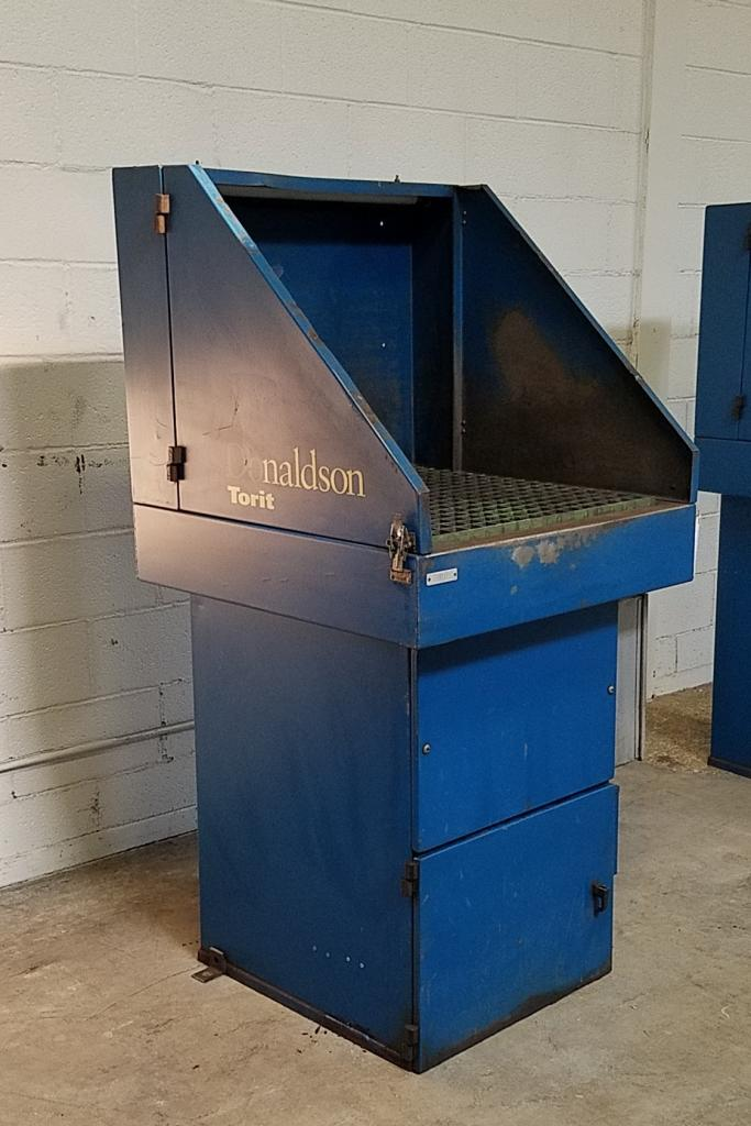 800 cfm Donaldson Torit #DB800 Downdraft Dust Collection Table