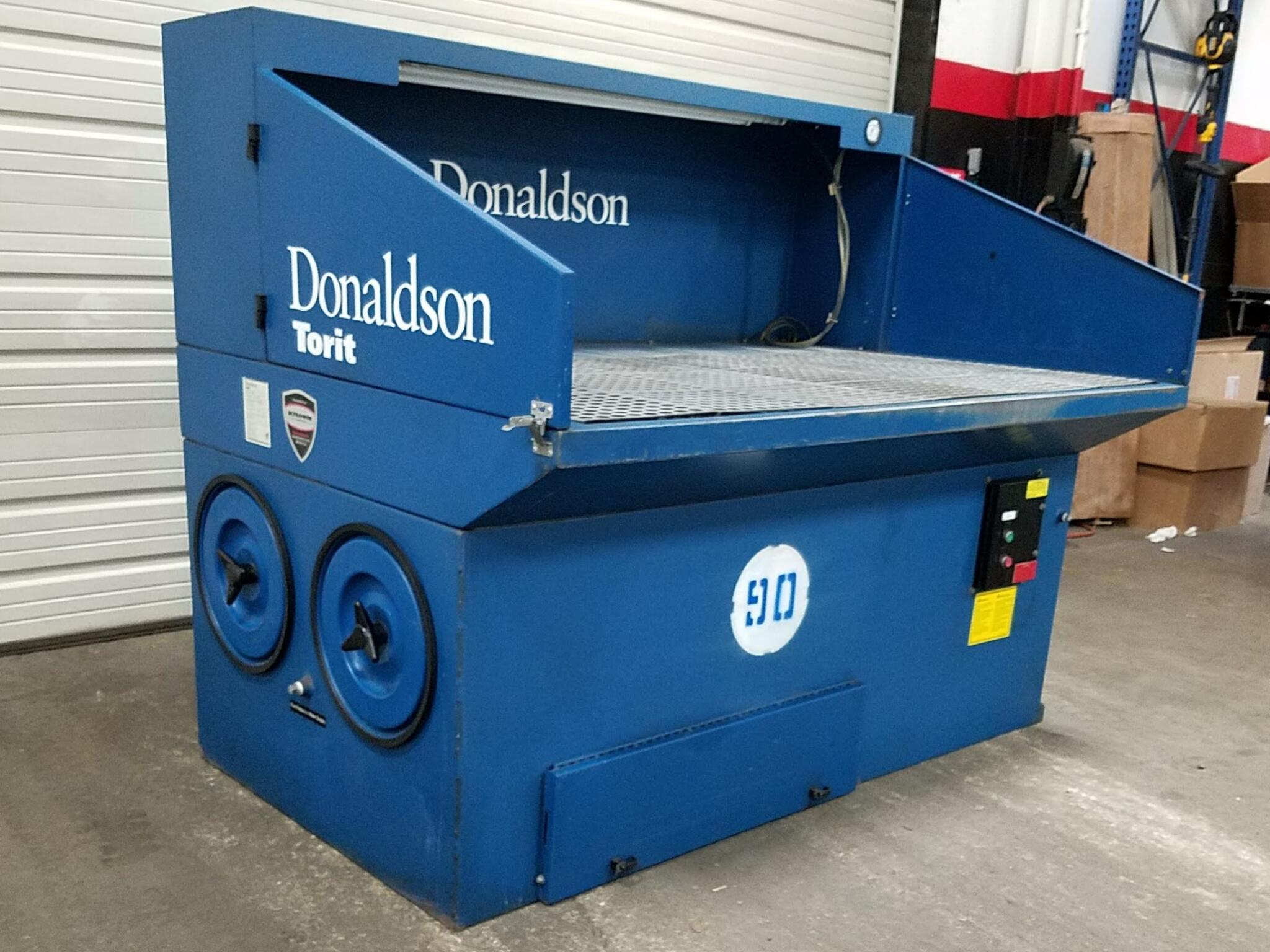 3,000 cfm Donaldson Torit #DB3000 Downdraft Dust Collection Table
